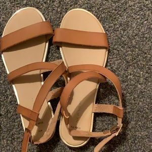 Sandals size 10 in women/wide fit